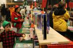 1083holidaybooksale120613_0.JPG